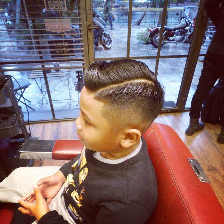 That's what we call a fine young gentleman's cut 😉😉 #roostersbarbershopathens #roosters #roostersbarbershop #barbershopsinathensgreece #barbershop athens #barbershopampelokipoi #μπαρμπερικο #κουρειααθηνα #young gentleman's cut