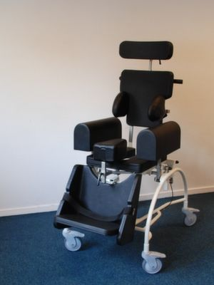 Adremo Sulega (Douche Toilet Rolstoel Shower and commode wheelchair)