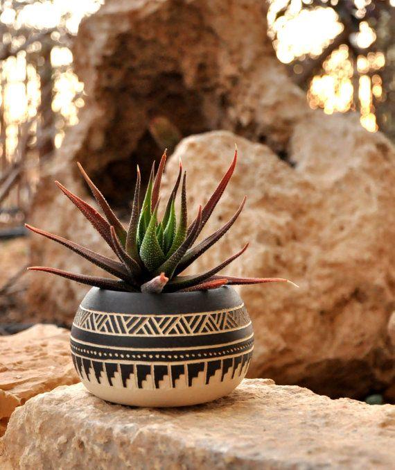 Hecho a la medida a plantador de cerámica cerámica por claykedem