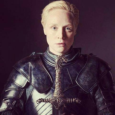 how tall is lady brienne
