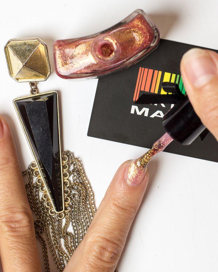 Купить 13 розово-золотой с блестками. лак для ногтей viva viktoriya по цене 45…