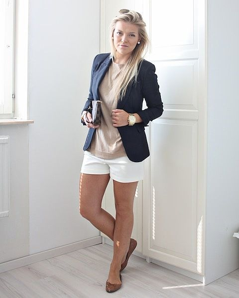 casual work chic: White Shorts, Casual Work, Casual Chic, Shorts Style, Work Chic, Blazers And Shorts, Classy Shorts Outfits, Work Outfits Navy Blazers, Blazers Shorts