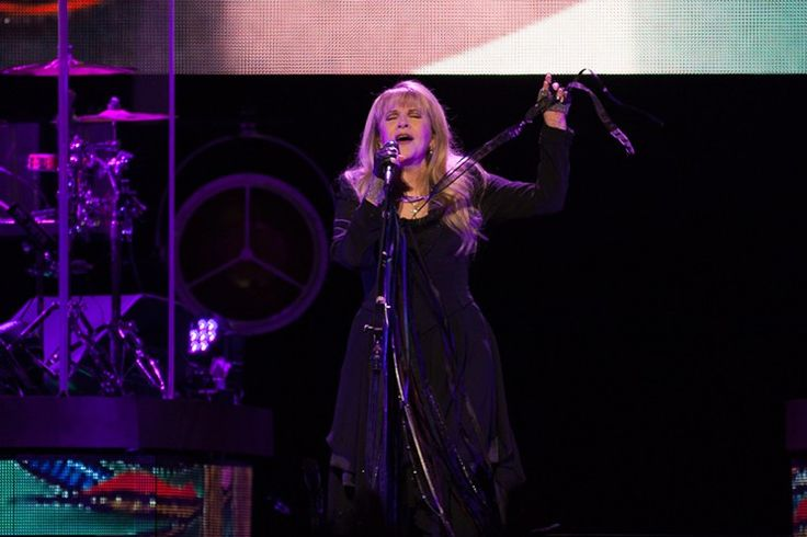 Stevie Nicks Digs Deep Into the Vaults For Haunting Toyota Center Set