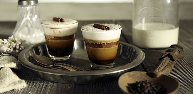 marocchino fondente is a simple and tasty recipe that gives a different twist to your coffee. Ideal for kick-starting the day or ending a meal on a pleasant note.