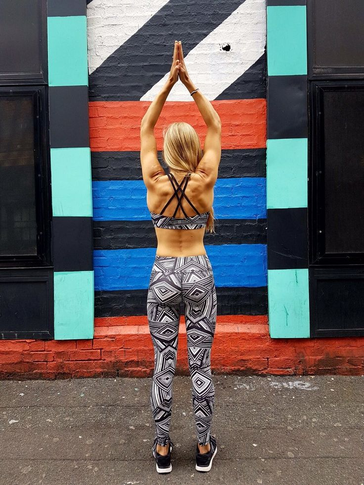 Natalie Jones (fitfoodie_nat) takes yoga to the streets!