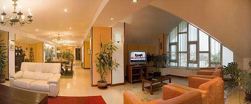 Salón social del hotel albergue La Salle, #Santiago de #Compostela. #HostalLaSalle, #AlbergueLaSalle