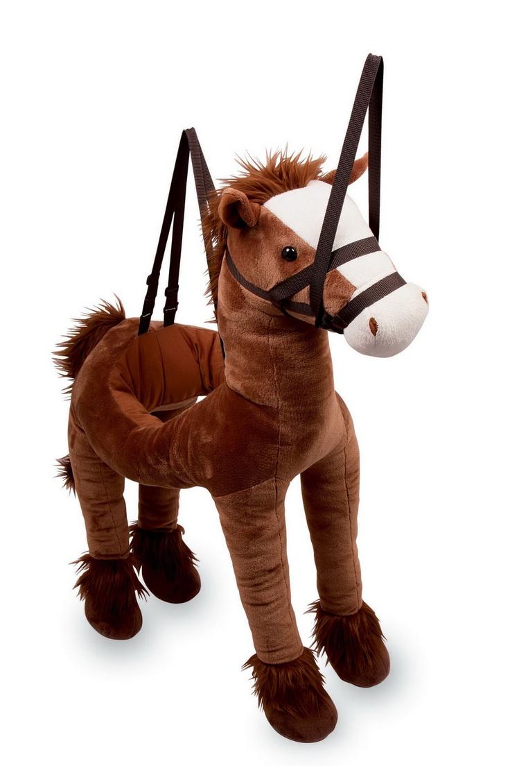 """Umhänge-Pferd """"Maxi"""". In dieses Pferd wird einfach hinein geschlüpft und los geritten! Das Stoffpferd lässt sich durch die Träger an seinem Rücken an den Schultern des Reiters aufhängen und durch den in der Mitte des Pferdes angebrachten Ring verschafft es dem Reiter zusätzlichen Halt darin. Mit den Zügeln lässt sich der Kopf des Pferdes bewegen und es entsteht der Anschein, als ob man das Pferd wirklich reiten würde. Ein Riesenspaß für Jung und Alt! Maße: ca. 90 x 80 cm"""