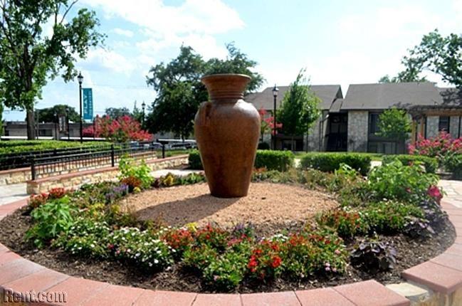 Diamond Ridge - 5235 Glen Ridge Dr, San Antonio TX 78229 - Rent.com