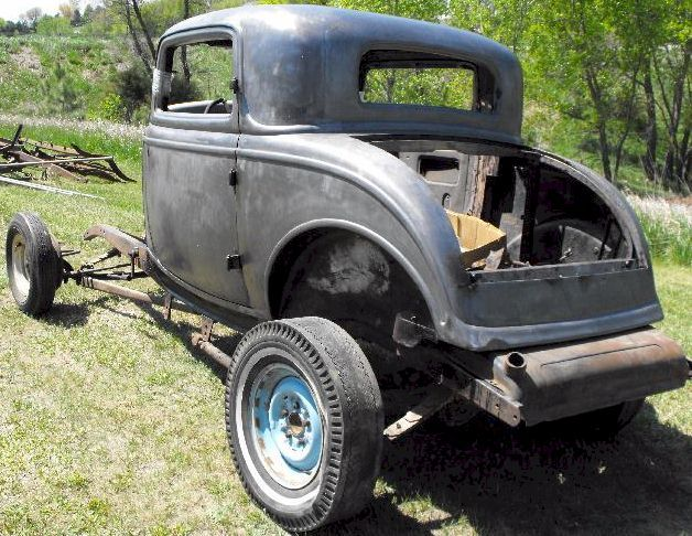 Link to enlarged view of 1932 Ford 3 Window Coupe