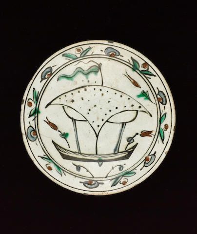 An Iznik pottery Dish with a boat design,  17th century.