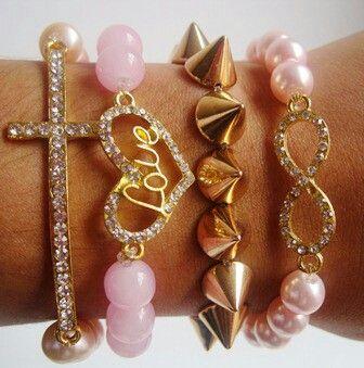 Set 4 pulseras  Mar Accesorios ♥ $32.000  #accesorios #accessories #aretes #earrings #collares #necklaces #pulseras #bracelets #bisuteria #jewelry #colombia #moda #fashion