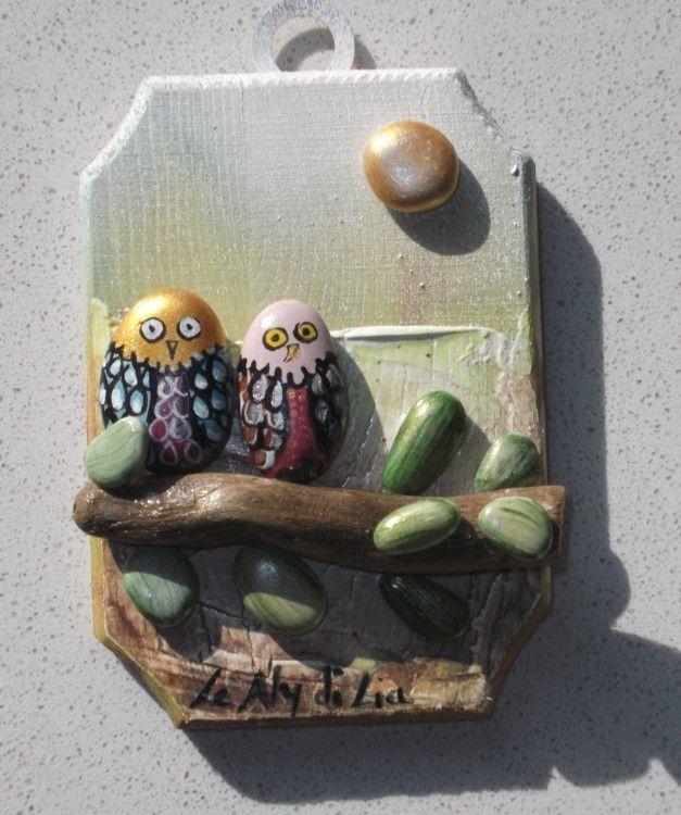 gufetti innamorati - Pittura,  4x7x1 cm ©2015 da Donatella Marraoni -                                                            Arte figurativa, Legno, Animali, gufetti, amore, sassi dipinti, arte moderna