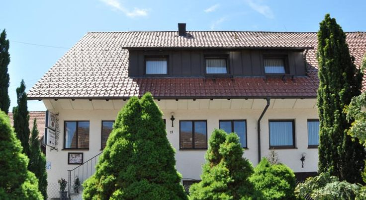 Gasthof-Hotel-Löwen Hechingen This family-run hotel offers cosy accommodation and delicious cuisine at the foot of Hechingen's Hohenzollern Castle, amid the picturesque countryside of the Swabian Alb.