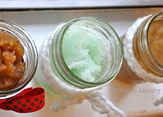 Un po 'di Bees Knees: DIY: Zucchero Corpo Scrubs! Brown Sugar & Honey, menta piperita e Sugar Cookie
