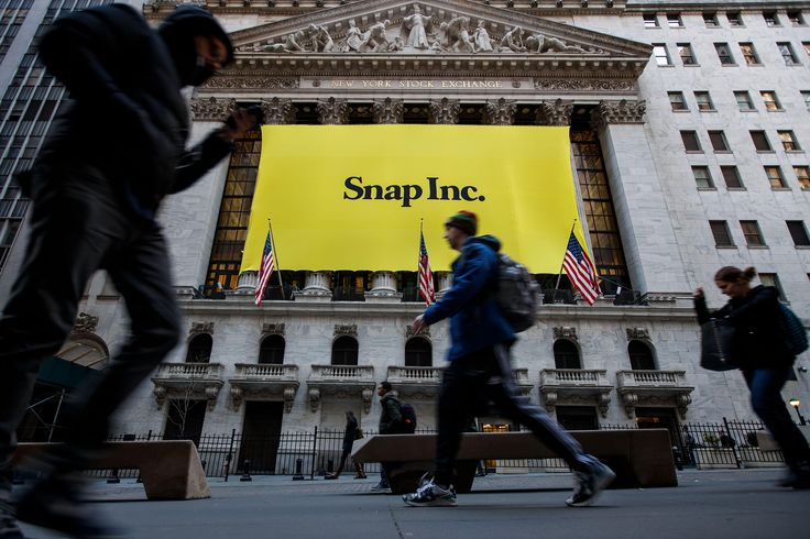 """Last Updated Mar 16, 2017 5:20 PM EDT SAN FRANCISCO- shares tumbled below $20 on Thursday for the first time since the company's $3.4 billion public listing after the Snapchat owner received another """"sell"""" rating from an analyst. The social media darling this month in three years, but after #–, #20, #Below, #CBS, #Crackled, #Fall, #First, #For, #NEWS, #Popped:, #Shares, #Snap, #Then, #Time"""
