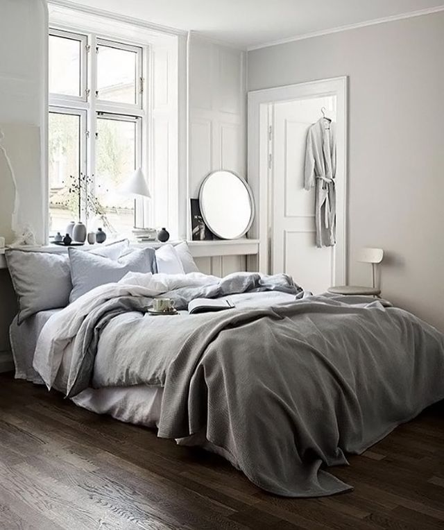 A white and grey bedroom | H&M Home