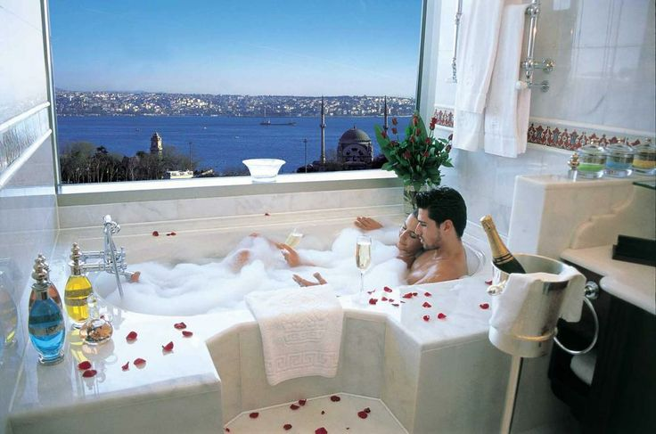 If Twitter gets blocked (again) in Istanbul... http://www.themostperfectview.com/istanbul-hotel-views/the-ritz-carlton-istanbul
