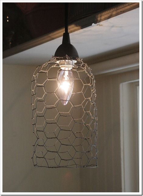 DIY chicken wire light {inspired by Anthropologie}: Diy Home Decor, Decor Crafts, Farmhouse Cottages, Diy Chicken, Lights Fixtures, Chicken Coops, Chicken Wire, Wire Pendants, Pendants Lights
