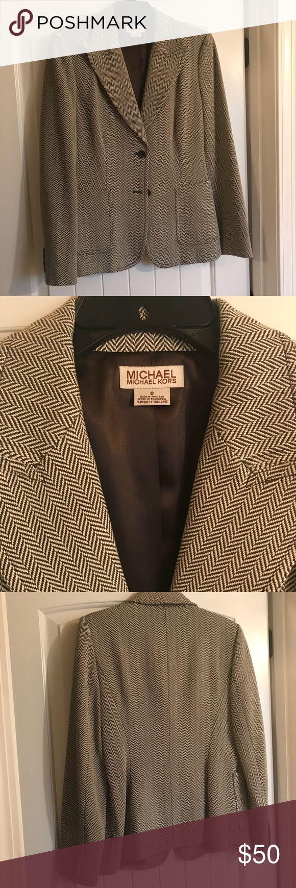 "Michael Kors Brown/cream suit. Jacket 8 pants 6 EUC Michael Kors two piece skirt suit. Brown/cream jacket is size 8 skirt is size 6. Jacket has two front pockets skirt is 20"" long Michael Kors Other"