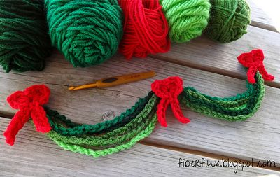 Evergreen Chain Garland - Free by Jennifer Dickerson of Fiber Flux / Tidings of Joy - 12 Crochet Round Ups of Christmas - Rebeckahs Treasures - Crafting Is My Life