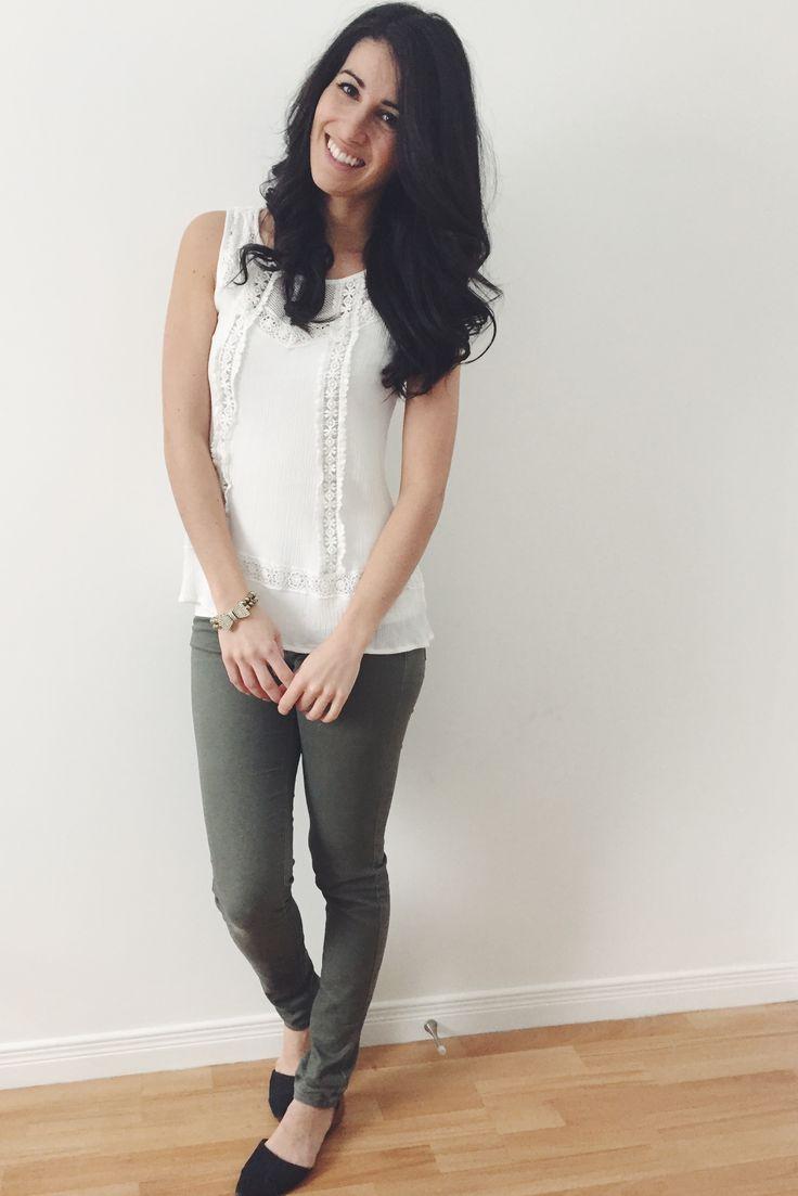 #normal #weekdays #white #kaki #black #gold #ootd #outfit #style #look #lookdujour #casual