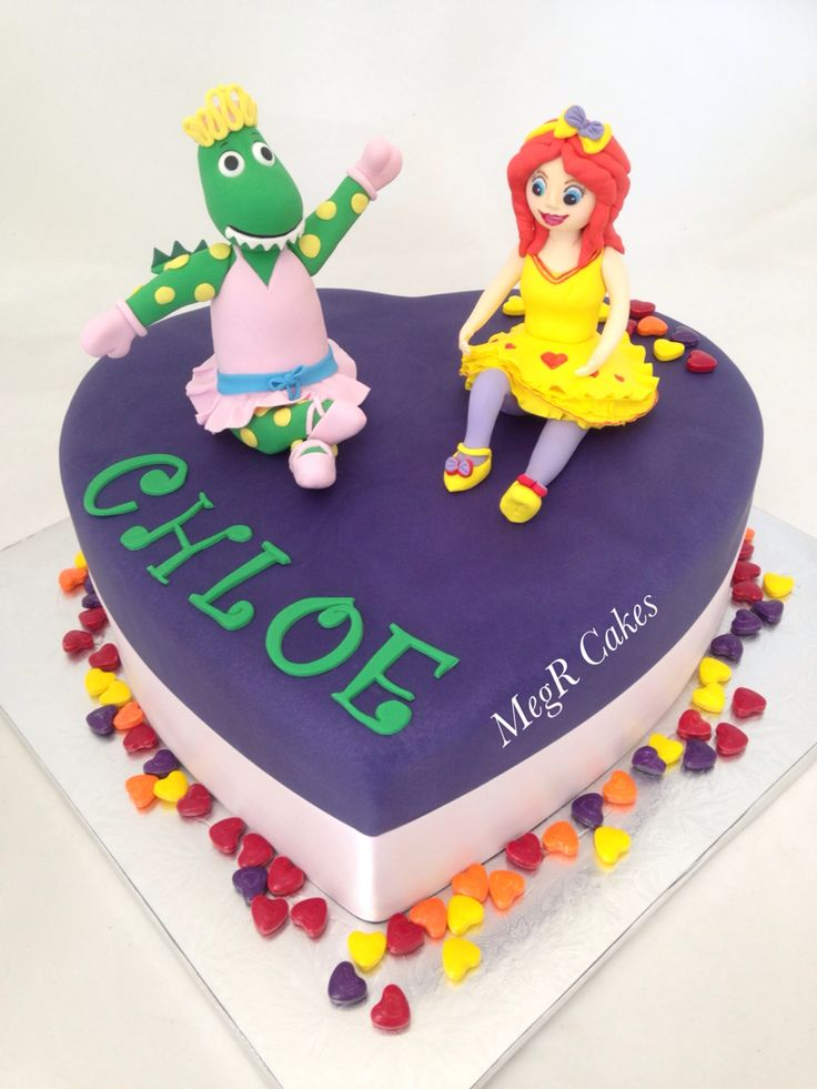 Emma wiggle and Dorothy the dinosaur heart shaped cake