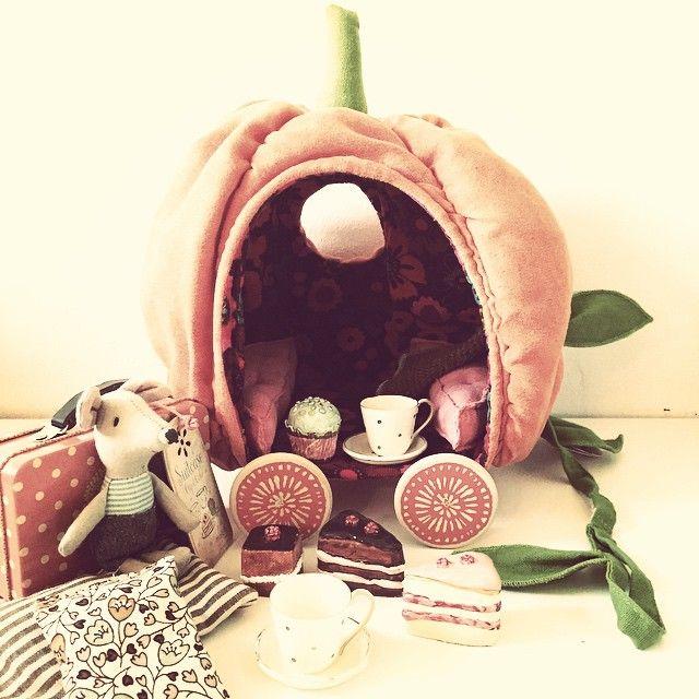 KoKoBello - barnkläder, leksaker & bärsjalar. - Fullkomligt underbar pumpa i trä och tyg från Maileg