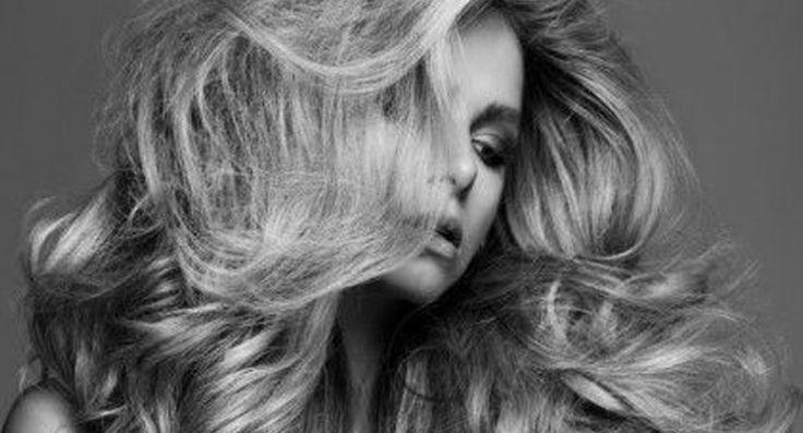 Heb jij vaak last van slap en futloos haar? Niet getreurd! Met deze briljante (en verrassend simpele) tips heb jij binnen no time voller én dikker haar!