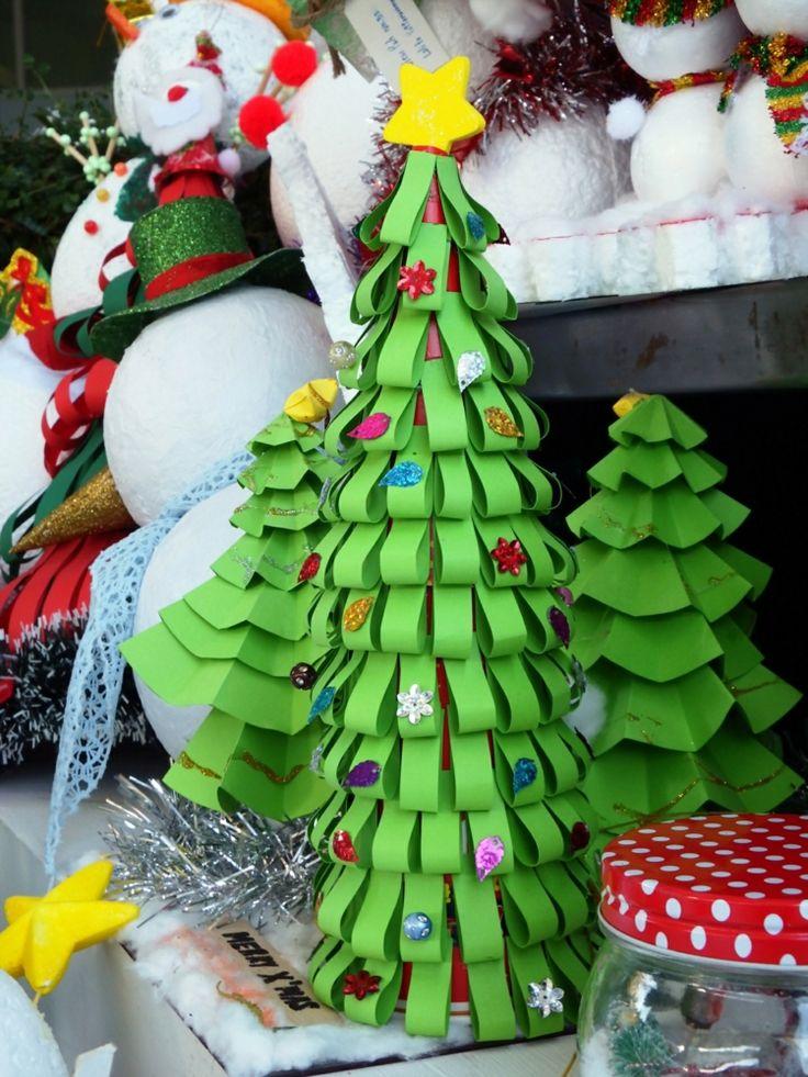 basteln mit papier zu weihnachten weihnachtsbaum papierstreifen idee einfach kegel