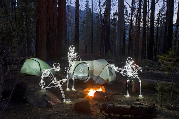 Darren Pearson  - Happy Campers (Joyeux campeurs) - Yosemite, Californie - 2012 - Light Paintings