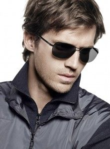 Tommy Hilfiger Vs Ray Ban Wayfarer Sunglasses