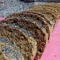 Pão de aveia, linhaça e papoila