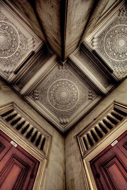 Fantastic ceiling detail