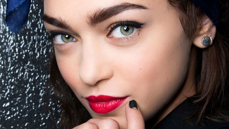 The 10 Best Black Eyeliners That Won't Smudge (No,Seriously)   StyleCaster