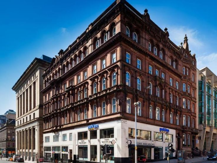Set In A Prime Location Of Glasgow Park Inn By Radisson City Centre Puts Everything The Has To Offer Just Outside Your Doorstep Hotel
