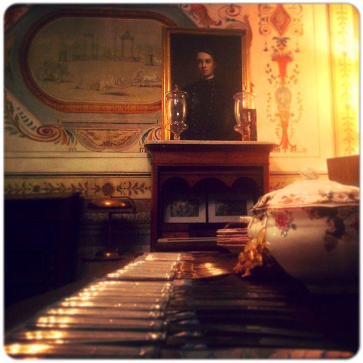 """""""A Spasso Nel Tempo"""" Lucca- Palazzo Tucci. Cadetto. Olio fine 800. Secretair Carlo X in noce."""