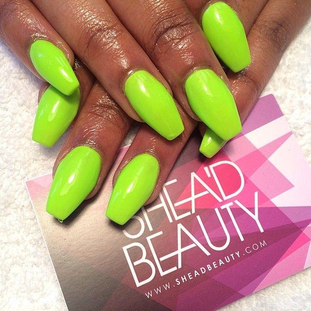 Neon Green Summer Nails .
