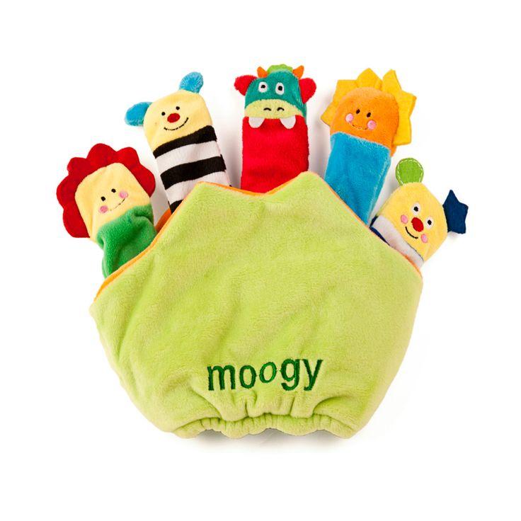De la colección de Moogy, la mascota de Miniland Educational, llena de colores, diferentes texturas y sonidos para el desarrollo y diversión del bebé.