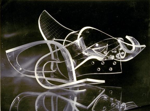 Moholy Nagy, László - Plexiglas sculpture - Bauhaus - Abstract - Photo