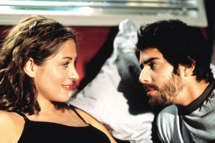 Sasha Alexander, Adam Goldberg, 2001 | Essential Gay Themed Films To Watch, All Over the Guy http://gay-themed-films.com/watch-all-over-the-guy/