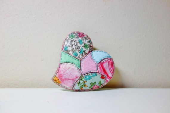 Mother's Day Brooch. Pink Mosaic Heart Brooch. by NariDesignPot