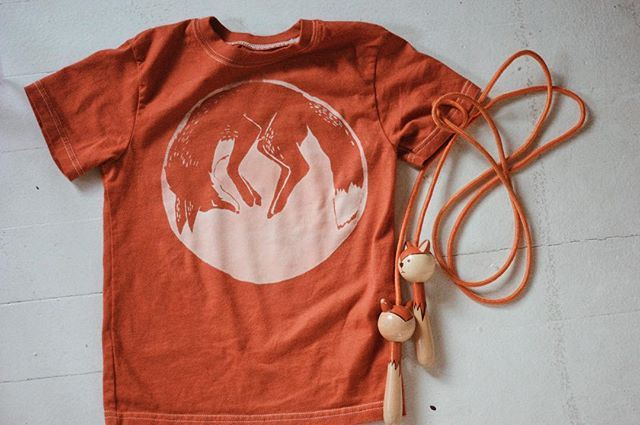 Guess what's back?? Rusty orange fox tees! I noticed this color available a couple weeks ago but hadn't found the time to list it again. Thanks to one of my wonderful customers for asking about it, now it's up! This is one of my old dyed ones, but the color is very similar... it will be the same as my current orange nursling onesies. Pick one up and don't forget to use code SUMMER20 to get 20% off!