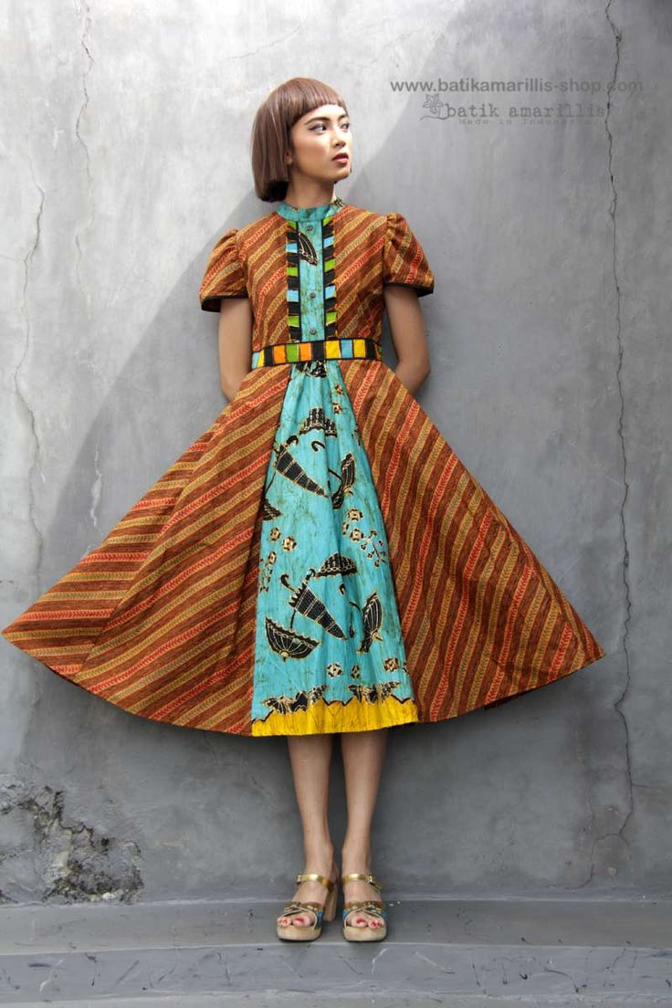 Batik Amarillis's Romana dress  in GORGEOUS of batik Truntum  Sragen and  batik wonogiren umbrella  series  We maintain its distinct modern-bohemia, modest & unabashedly romantic. it has slimming silhouette with these gorgeous sleeves plus full skirt for ethereal head-turning approach to occasion dressing