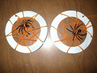 paper plate spider web weaving