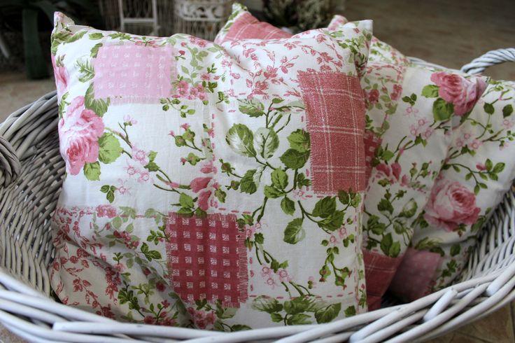 Vintage rosy cushion