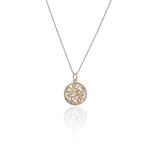 Złoty medalion na delikatnym łańcuszku - Dorota Kos -