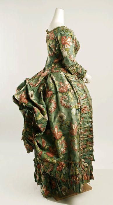 Robe à la Polonaise ca. 1774-1793 via The Costume Institute of The Metropolitan Museum of Art