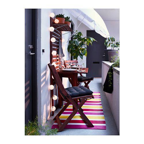 ÄPPLARÖ Pann mural+table pliante+2 chaises IKEA Permet de gagner de l'espace car la table pliante peut être mise de côté quand elle ne sert pas.