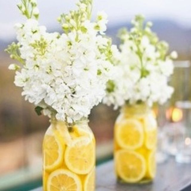 Lemons...this looks pretty and refreshing to brighten up the house on a nice warm day