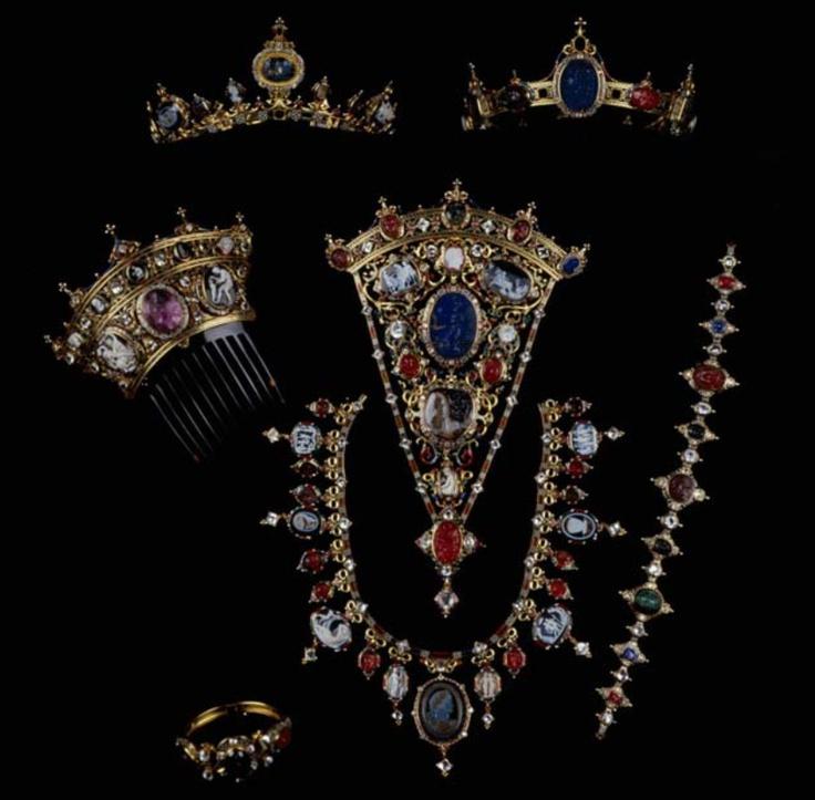 Devonshire Parure  C.F. Hancock (d. 1891)  Gold; enamel; diamonds; cornelian; onyx; garnet; jacinths; lapis lazuli; plasma, and sardonyx